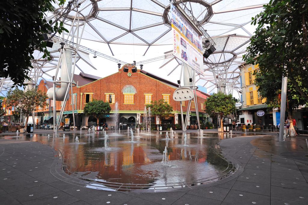 News - VJ - Clarke Quay Fountain01