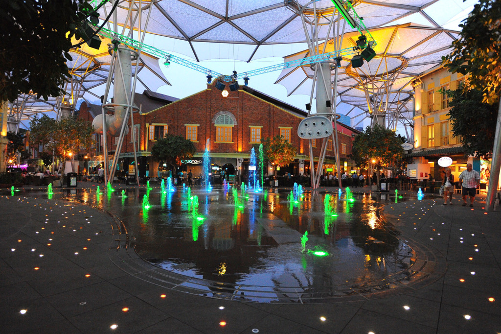 News - VJ - Clarke Quay Fountain02