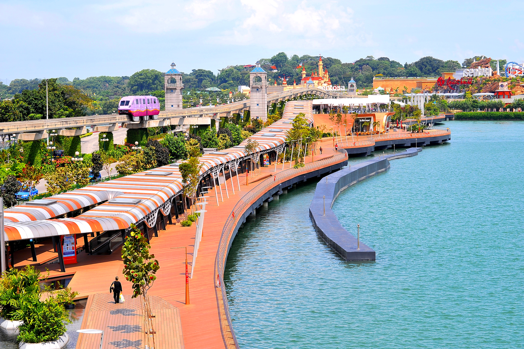 Sentosa-Boardwalk-mid-res